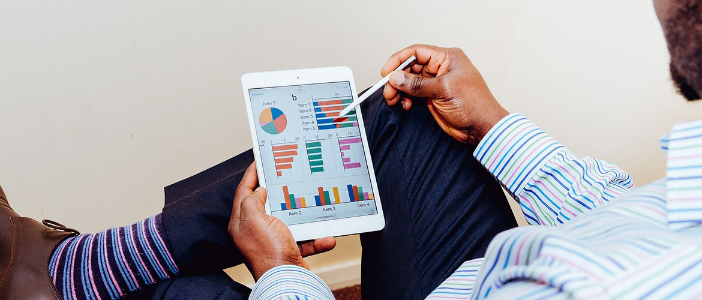 analysing-investments.jpg